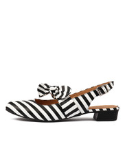 ETYE Flats in Black/ White Leather