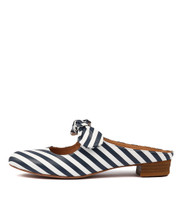 EFAZE Flats in Blue/ White Leather