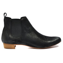 Eamo Ankle Boots Pull On in Black Leather