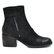 Juff Block Heeled Ankle Boots in Black Leather
