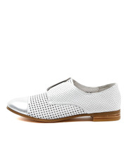 JACCA Brogues in Silver/ White Leather