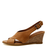 ULOHIN Wedge Sandals in Tan Leather