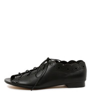 PRIA Lace-up Flats in Black Leather