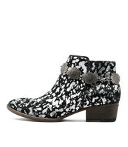 LEROY Ankle Boots in Black/ Silver Pony Hair
