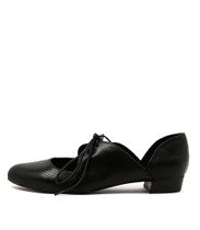 ENCINO Lace-up Flats in Black Leather