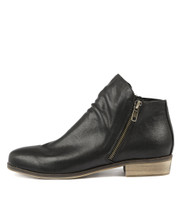 SPLIT Ankle Boots in Black Leather