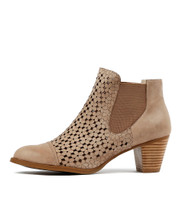 INVITE Ankle Boots in Latte Leather
