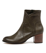 SLACK Heeled Boots in Olive Leather