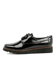 PADAN Lace-up Flats in Black Patent Leather