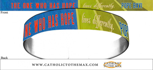 The One Who Has Hope Lives Differently Red and Green Bracelet