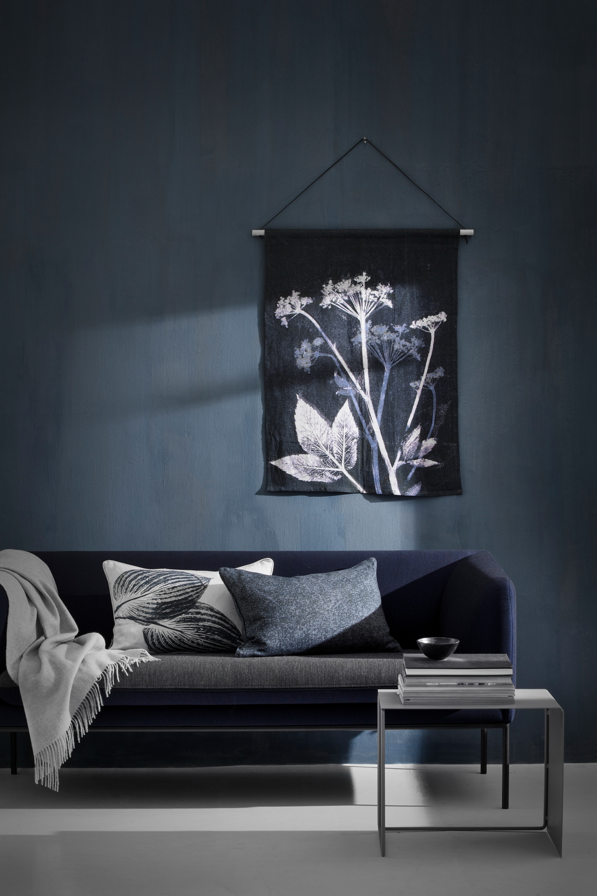 Easy Way To Hang Pictures Without Nails Part - 47: This Is One Of The Easiest Ways To Hang Art Without Damaging Your Wall As  There Are No Nails Needed. You Can Get Hanging Strips At Your Local Arts  And Craft ...