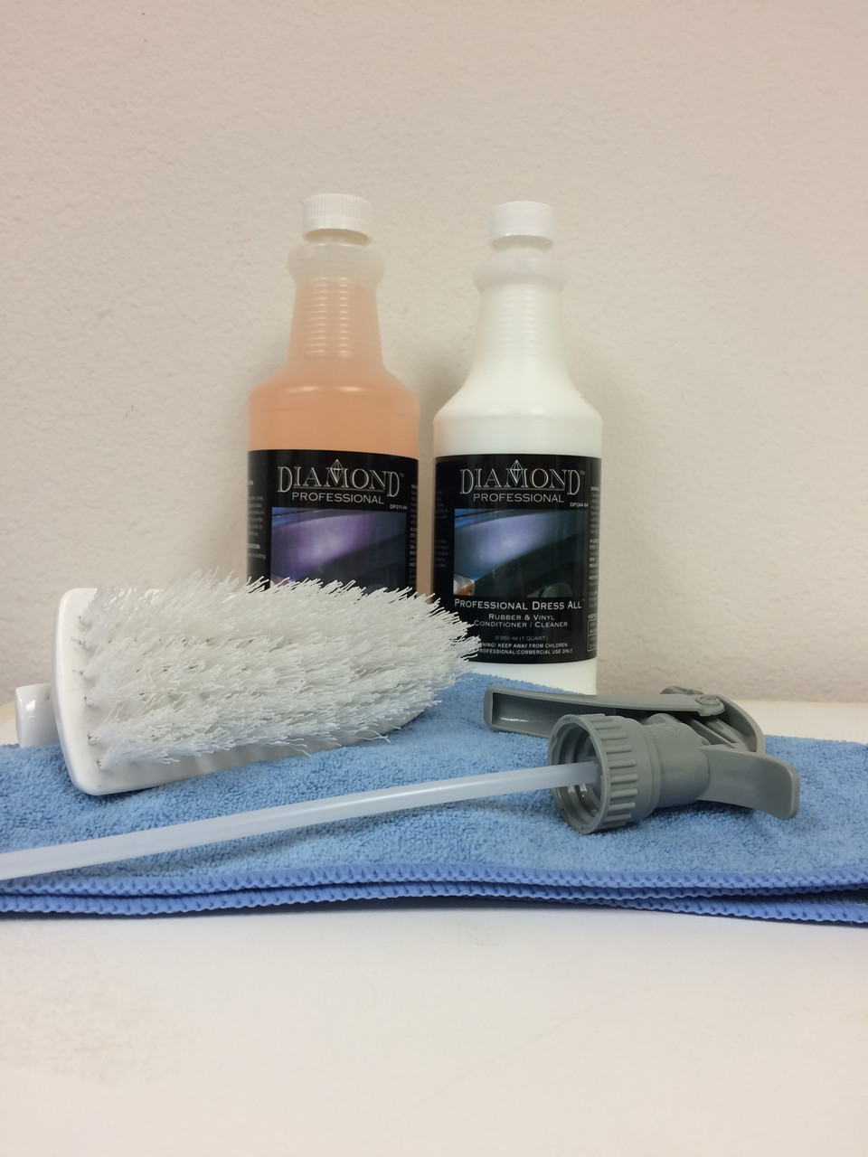 This kit includes: Professional APC  Plus, Dress all, 2 sprayers, a multi-purpose brush, and 2 microfiber towels.