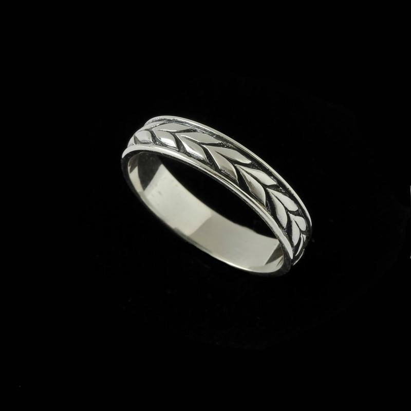 Sterling Silver engraved Laurel Leaf wedding band ring by Bowman Originals, Sarasota, 941-302-9594