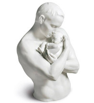 01009215 PATERNAL PROTECTION Issue Year: 2016 Sculptor: Ernest Massuet Size: 31x22 cm