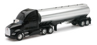 Kenworth T700 Oil Tanker Semi Truck & Trailer 1/32 Scale By Newray 12223