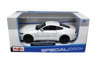2015 Ford Mustang GT White 1/24 Scale Diecast Car Model By Maisto 31508
