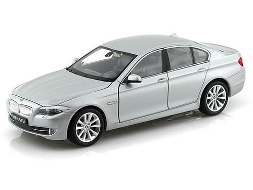 BMW 535i Silver 1/24 Scale Diecast Car Model By Welly 24026 NO RETAIL BOX