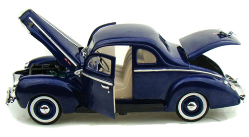 1940 Ford Deluxe Blue 1/18 Scale Diecast Car Model By Motor Max 73108