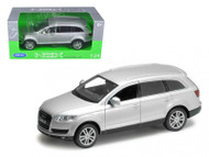 Audi Q7 Silver 1/24 Scale Diecast Car Model By Welly 22481
