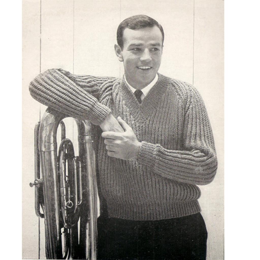 Mans Knit Pullover Pattern in Rib Pattern Stitch