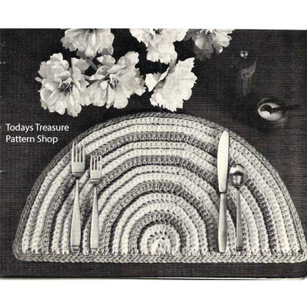 Crochet Placemat, Striped half moon shape