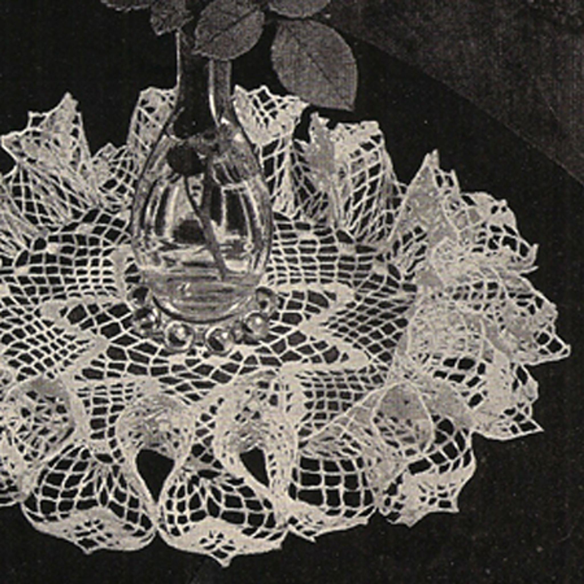Vintage Star Crochet Doily Pattern, Tall Ruffles