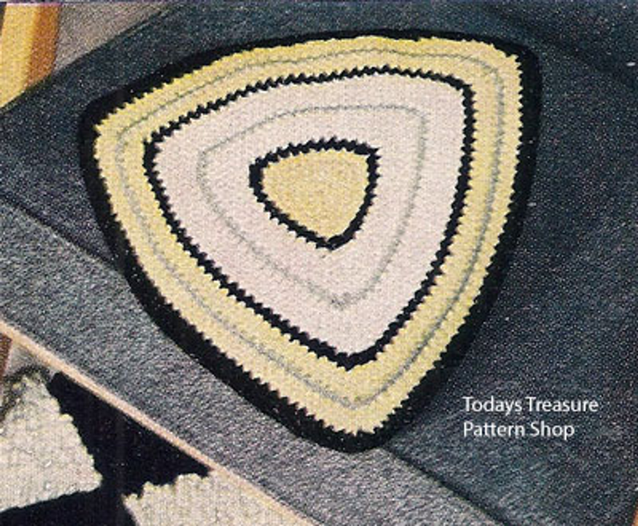 Vintage Triangle Crocheted Pillow Pattern