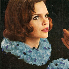 Crochet Circle Collar Pattern with Bangles