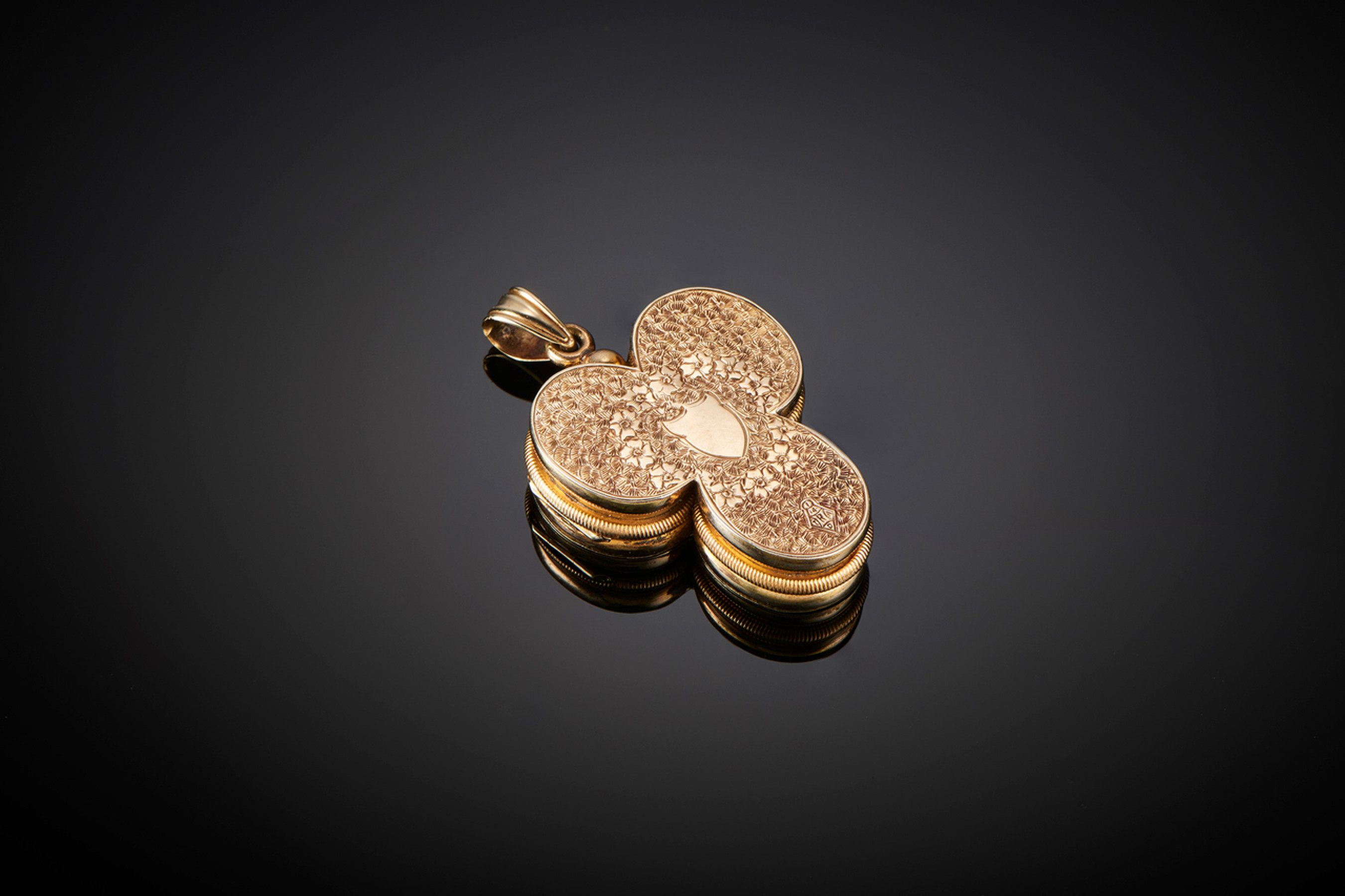 Rare Trefoil Gold Locket with Twelve Compartments - Front Image