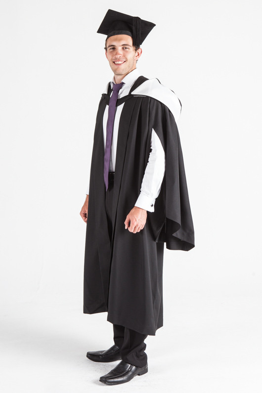 how to wear bachelor graduation gown