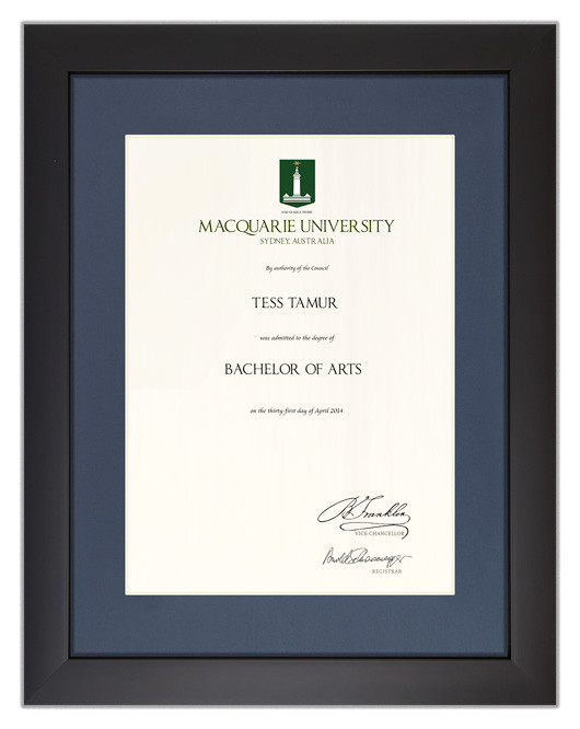 Degree Certificate Frame For Macquarie University Gowntown