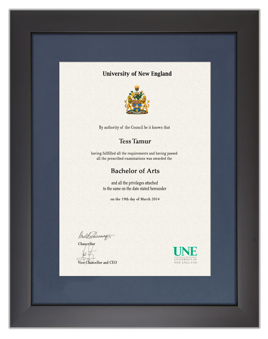 Degree Certificate Frame For Une Gowntown