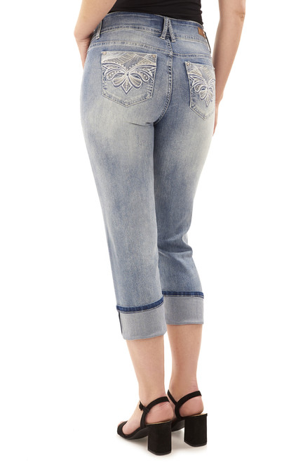 Curvy Embellished Cropped Jeans In Atlantic