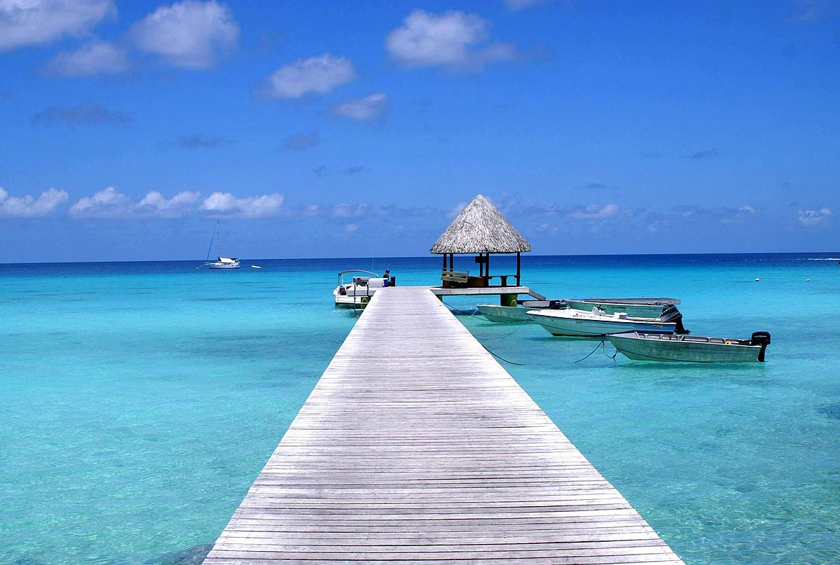 Kia Ora resort of Rangiroa Atoll in Polynésia From Wikimedia Commons