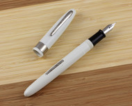 Wearever Supreme Fountain Pen White Medium