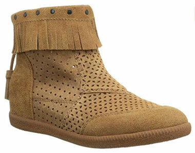 Quarter Side View. Women Shoes Online, Women's Shoes, Women's Boots. OTBT Stanton, Hidden wedge moccasin suede bootie. Fringe, tassel, gum sole, back zipper. Color Tuscany (khaki)