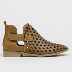 "Side View: Women's Shoes, Women's Bootie, Perforated leather, 1/2"" heel, Musse & Cloud, Color: Cue"