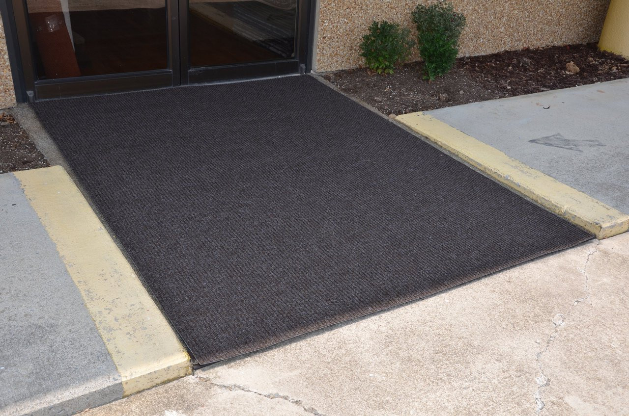 Dean 6 X 8 Indoor Outdoor Brown Carpet Door Mat
