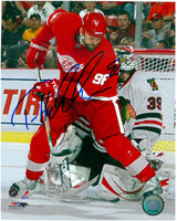 Tomas Holmstrom Autographed 8x10 Photo #3 - In Front of the Goalie