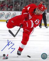 Pavel Datsyuk Autographed Detroit Red Wings 8x10 Photo #1 - One Leg Shooting