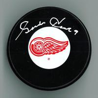 Gordie Howe Autographed Detroit Red Wings Puck