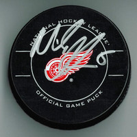 Nicklas Lidstrom Autographed Detroit Red Wings Game Puck
