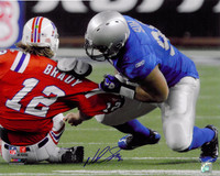 Ndamukong Suh Autographed Detroit Lions 16x20 Photo #1 - Sacking Tom Brady