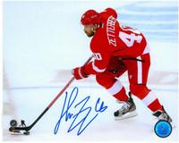 Henrik Zetterberg Autographed 8x10 Photo #3 - Horizontal Skating (Pre-Order)