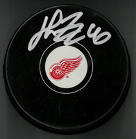 Henrik Zetterberg Autographed Detroit Red Wings Souvenir Puck (Pre-Order)