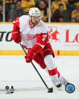 Tomas Tatar Autographed 8x10 Photo #3 - Road Action (Pre-Order)