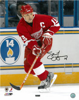 Steve Yzerman Autographed Photo