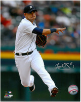 Jose Iglesias Autographed Detroit Tigers 8x10 Photo #3 - Throw to First