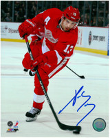 Pavel Datsyuk Autographed Detroit Red Wings 8x10 Photo #9 - The Wrister