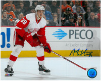 Anthony Mantha Autographed Detroit Red Wings 8x10 Photo #4 - Waiting for the pass
